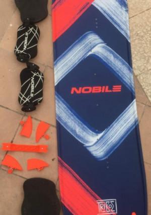 Planche kitesurf 2018-2019 Nobile Flying Carpet (light wind/door) 160cm avec straps - utilisé 2 fois